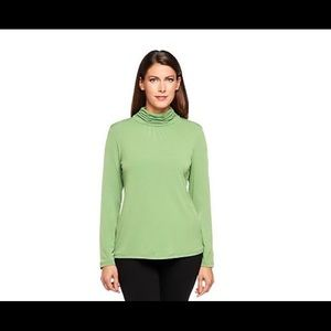 Susan Graver green ruched neck top Size 3X